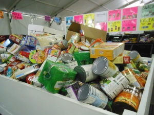 Metropolitan Ministries Holiday Donations Tent 008