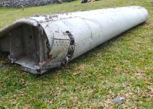 mh370-plane-wreckage